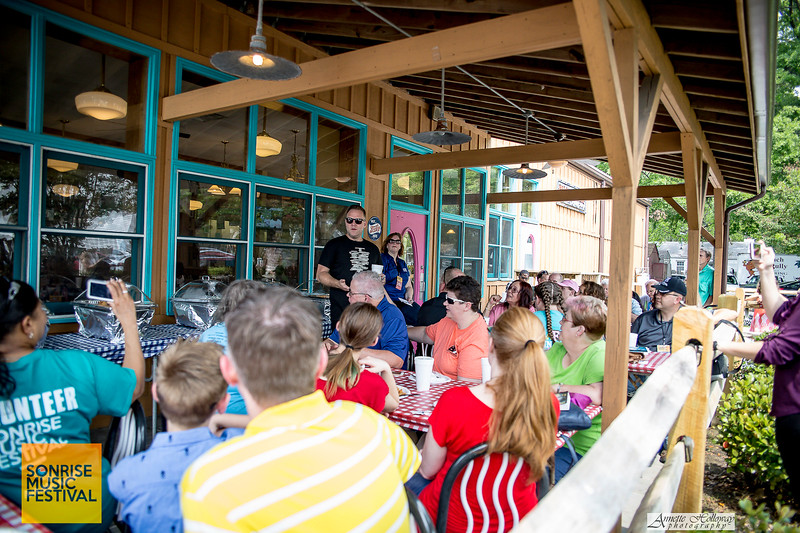 SonRise 2017 VIP Luncheon with Matthew West (photo: Annette Holloway Photography)