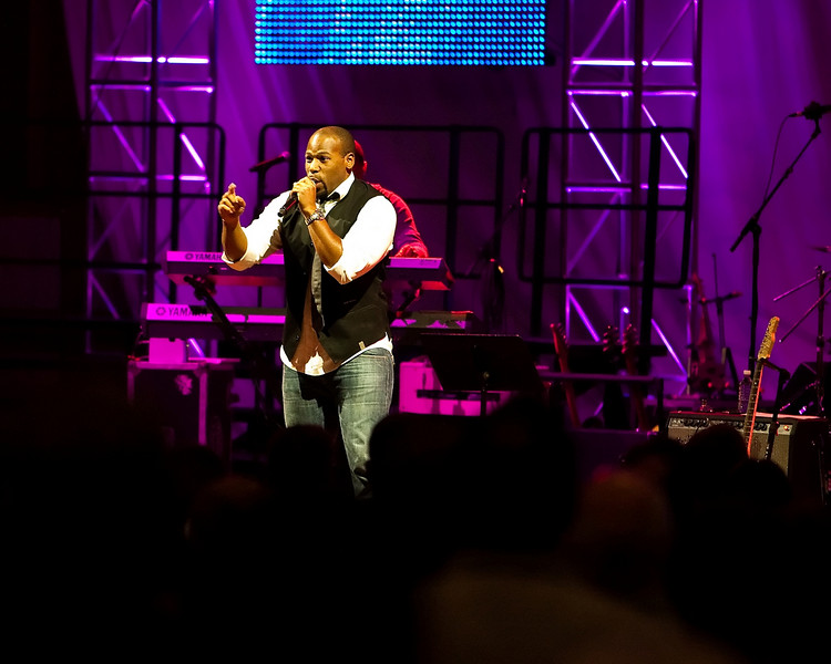 20 July 2009: Anthony Evans in concert at the 2009 National Worship Leader Conference at Church of the Resurrection in Leawood, KS.
