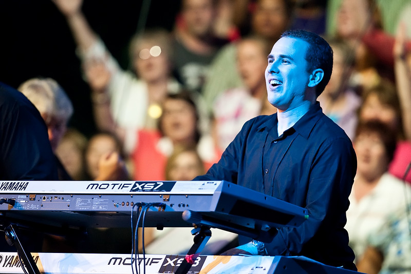 20 July 2009: Tommy Walker's keyboardist in concert at the 2009 National Worship Leader Conference at Church of the Resurrection in Leawood, KS.