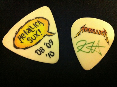 caught a couple of guitar picks from James & Kirk!