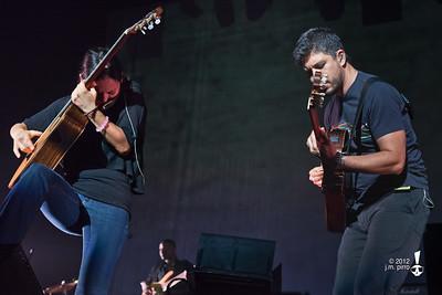 Rodrigo y Gabriela with C.U.B.A.