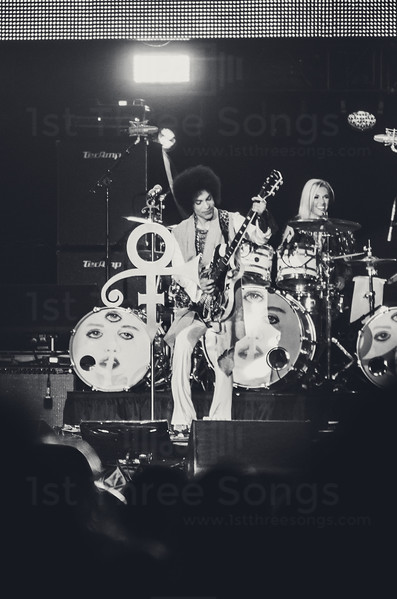 Prince performs on the Main Stage at the Mercedes Benz Superdome, New Orleans Louisiana on Friday, July 4, 2014