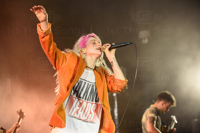 PARAMORE REVIEW