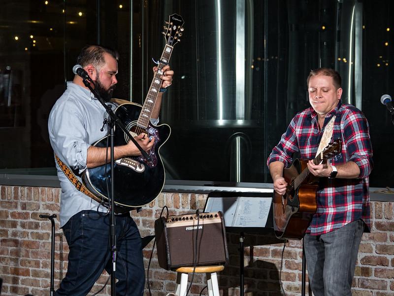 Yoyo y Yo at Midwest Ale House in East Moline, IL.