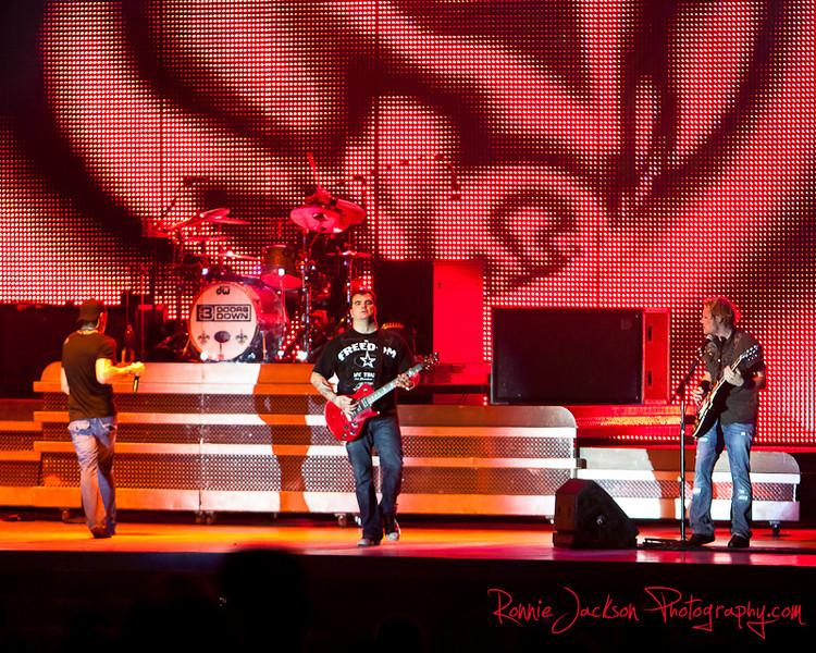 Brad Arnold, Greg Upchurch, Chris Henderson, Matt Roberts, 3 Doors Down