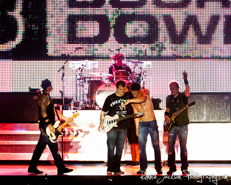 Todd Harrell, Chris Henderson, Brad Arnold, Matt Roberts, Greg Upchurch, 3 Doors Down