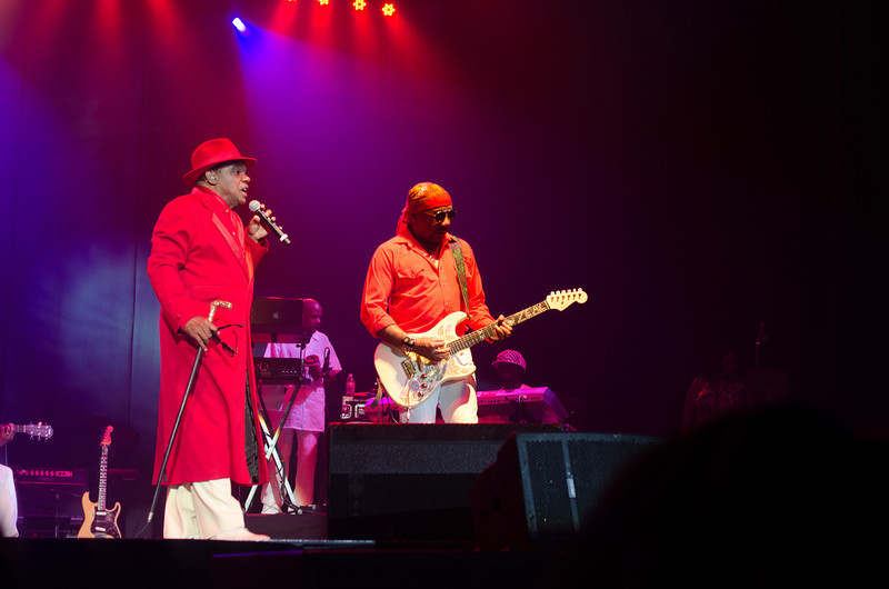 130504 The Isley Bros (Star Of The Desert Arena)
