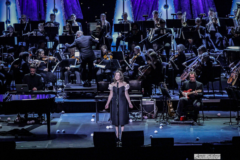 Amy Grant, Michael W. Smith Christmas Tour with Jordan Smith in Richmond, VA along with the Richmond Symphoney.  photo: Annette Holloway #AmySmittyChristmas