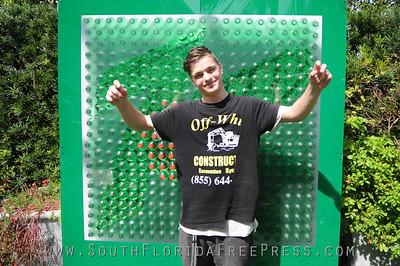 Images  courtesy of WorldRedEye.com  and Taraink