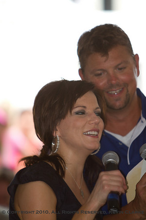 Auction with Martina McBride, Big Kenny, and Stormy Warren