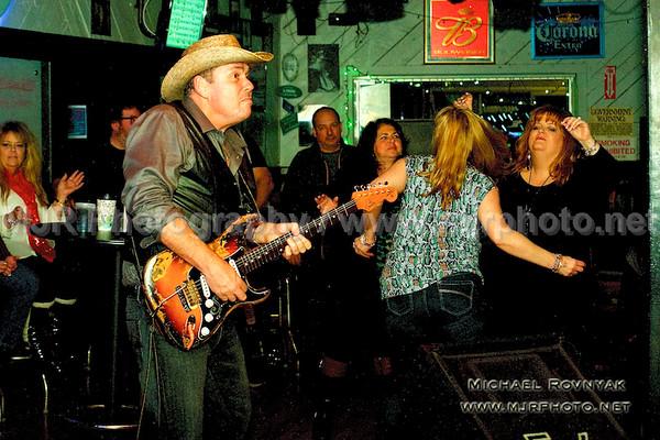 2015-03-27 Cold Shot at Village Pub Lindenhurst