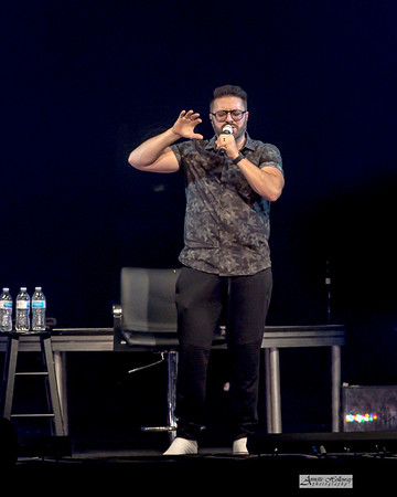 Danny Gokey in concert on Hope Encounter Tour in Richmond, VA 11-10-19 by Annette Holloway Photog