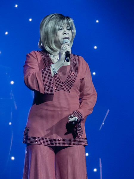 180210 Deniece Williams (Honda Center)