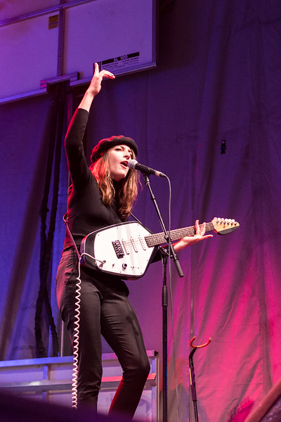 Fishbach  @ Francofolies 2017 Photos: Thomas Courtois for Thorium Magazine http://www.Studio-Horatio.fr