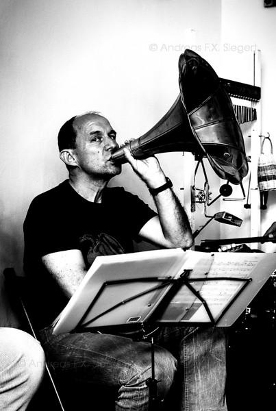 Skeptic trumpeter