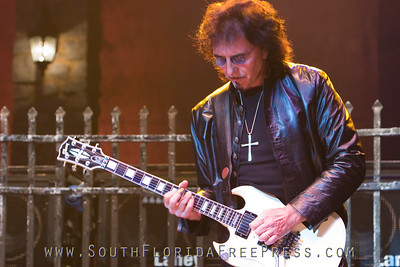 Heaven and Hell is a 2006-2008 musical collaboration featuring Black Sabbath members Tony Iommi and Geezer Butler along with former members Ronnie James Dio and Vinny Appice
