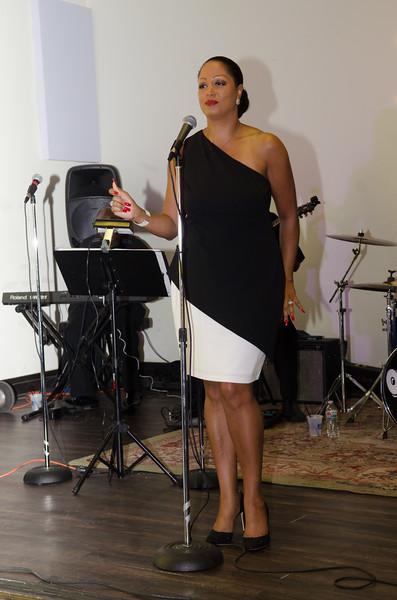 Jacnique Nina 181006 (The Mixx)