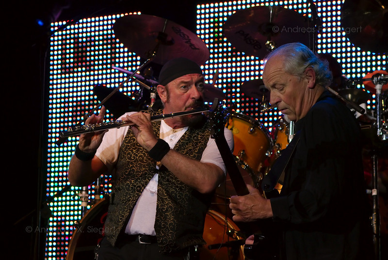 Ian Anderson and Martin Barre<br /> Jethro Tull concert  July 2008 - Tollwood