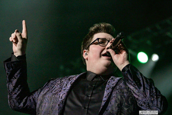 Jordan Smith on Christmas Tour with Amy Grant & Michael W. Smith in Richmond, VA photo: Annette Holloway Photography #AmySmittyChristmas