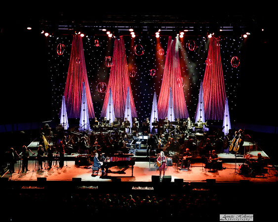 Amy Grant, Michael W. Smith Christmas Tour  with Jordan Smith in Richmond, VA with the Richmond Symphony orchestra photo: Annette Holloway #AmySmittyChristmas