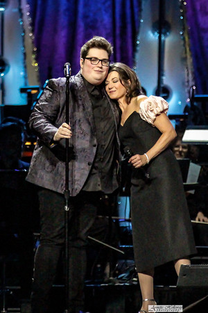 Amy Grant & Jordan Smith on the Christmas Tour with  Michael W. Smith in Richmond, VA photo: Annette Holloway #AmySmittyChristmas