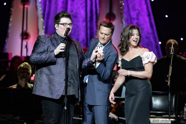 Amy Grant, Michael W. Smith Christmas Tour with Jordan Smith in Richmond, VA photo: Annette Holloway #AmySmittyChristmas