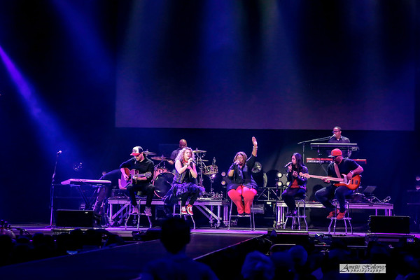 Mandisa on Hits Deep Tour with TobyMac in Norfolk VA 3-17-17