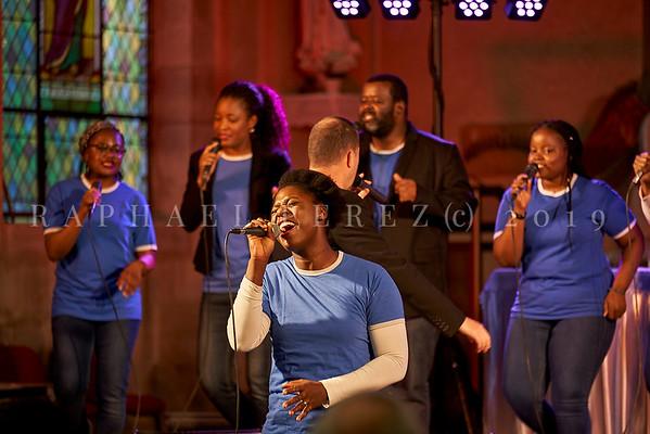 New Gospel Family, French urban gospel band. Saint Brice church