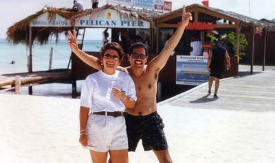 1997 Funk Festival in Aruba, host SINBAD. My hommie ART, speaks spanish too.