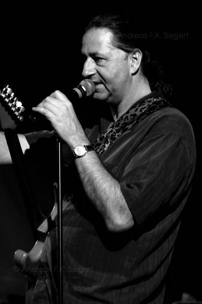 Peter Schneider<br /> Stimulators live am Klosterseefest 2008<br /> A bit rainy ;-)