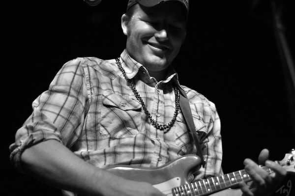 "Texas Renegade from Billy's Ice and Brewster Street Ice house in Corpus Christi, TX and New Braunfels, TX.  New up and coming Texas Band that is going to make it HUGE.  More pictures to come.  Check out thier website at  <a href=""http://www.txrenegade.com"">http://www.txrenegade.com</a>"