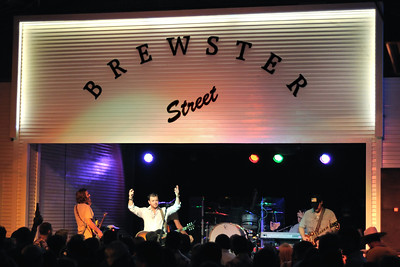 Wade Bowen at Brewster Street Icehouse in Corpus Christi, TX