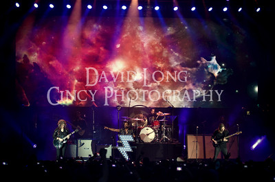 The Killers live concert photos by Cincinnati concert photographer David Long - CincyPhotography