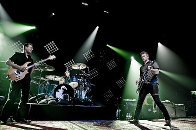 Them Crooked Vultures - Club Nokia