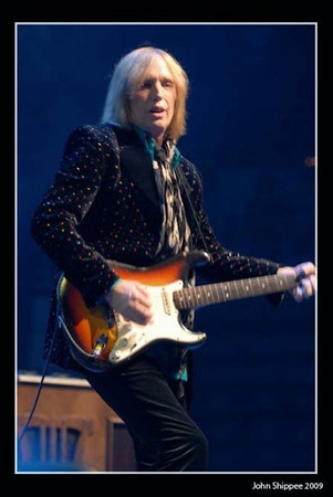 Tom Petty in concert in Gainesville, FL, by John Shippee Photography.