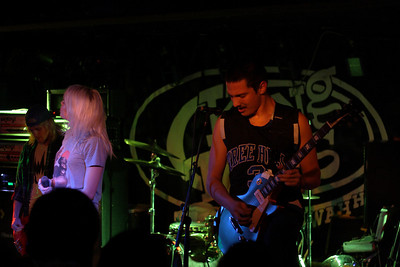 Tonight Alive, Young Guns,
