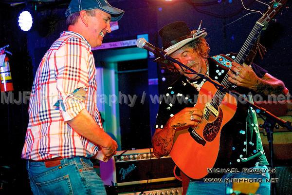 08.01.16 GUEST SINGER Photos Donavon Frankenreiter at Stephen Talkhouse