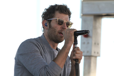 Brett Eldridge performs at NHMS