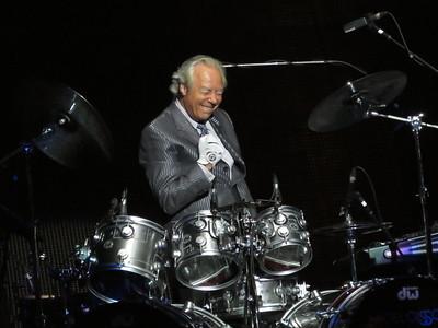 Nigel Ollson // Elton John Drummer