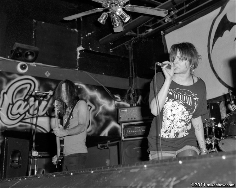 Living Deadbeats live at Funky Winker Bean's, Vancouver BC, July 8, 2011.
