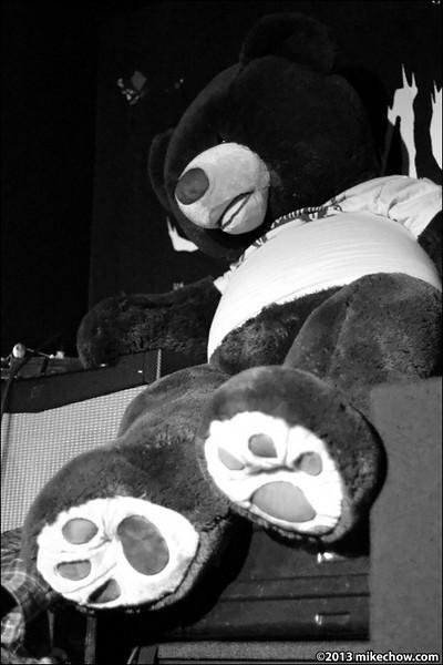 Megabear live at Funky Winkerbean's, Vancouver BC, January 19, 2013.<br /> <br /> THE Megabear!