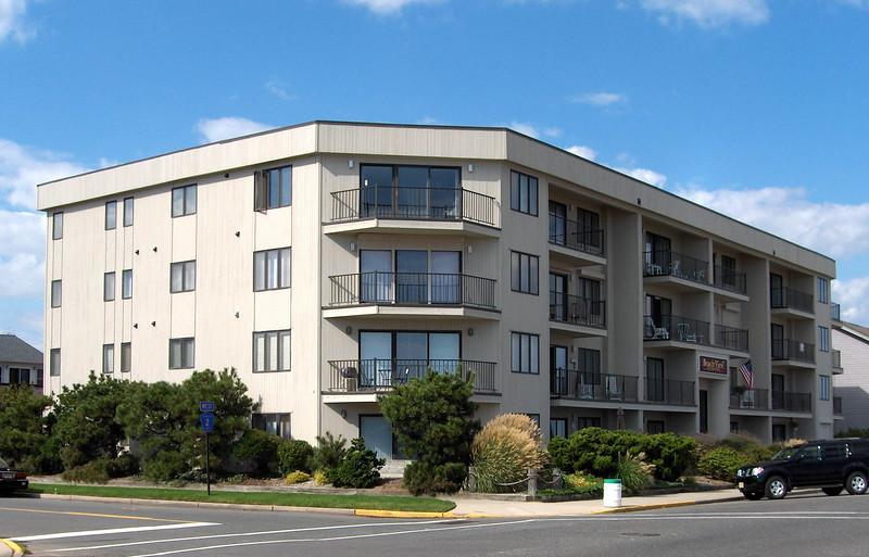 Condominiums/Townhouses