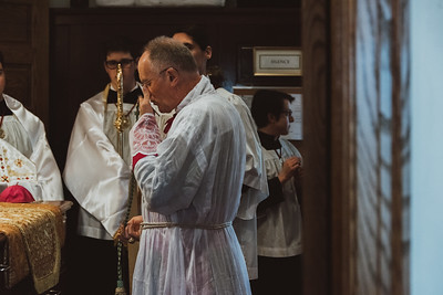 _NIK8969Brown Confirmations Bishop Fellay