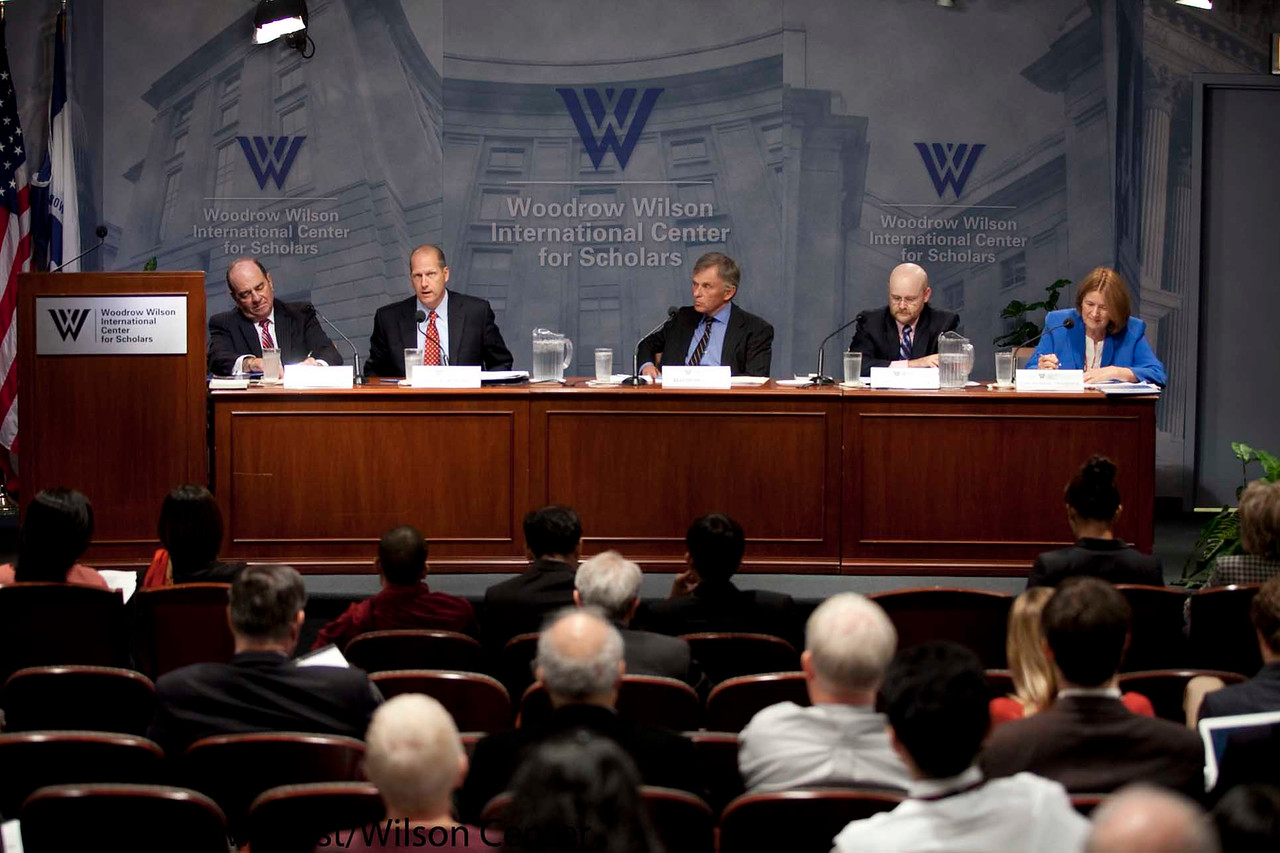 Congress' Influence on Foreign Policy: For Better or Worse?<br /> <br /> Speaker(s): Richard Gephardt, John Sununu, James Lindsay, Gail Russell Chaddock, Don Wolfensberger
