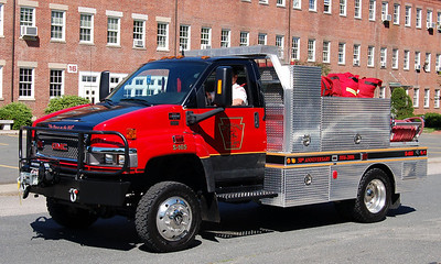 Squad 165 2006 GMC Brush Unit