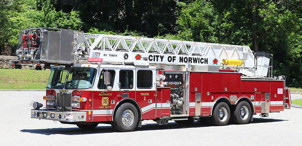 Truck 2   1995 Simon Duplex / LTI.  1500 / 300   85' Tower