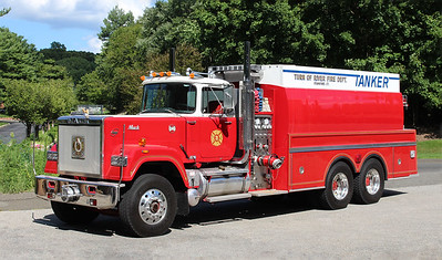 Turn of River Tanker 68   1988 Mack Superliner / Maxim   500 / 3750