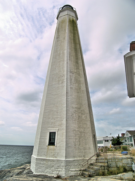 Woodward went on to build 4 more lighthouses in Connecticut between 1802 and 1808.