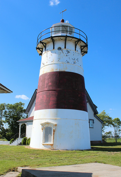 In 1855 the lighthouse received a new rotating mechanism and a new lighting system of six Argand lamps with 21 inch reflectors.  This was upgraded once again in 1857 when the lantern received a Fourth Order Fresnel lens which flashed once every 90 seconds.
