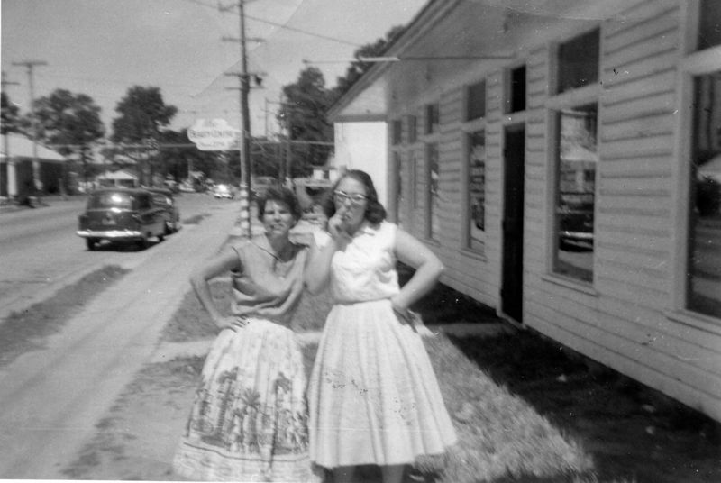JearleneCorley&AnnSigalas front of Lincoln Grill 1957